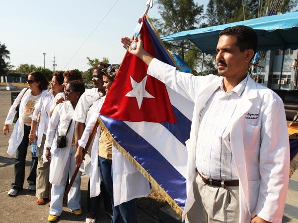 _Medicos-cubanos